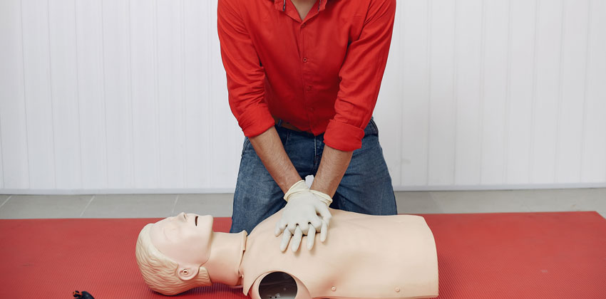 دوره امدادگری احیای قلبی ریوی